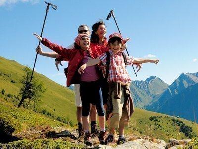 Familie auf den Bergen